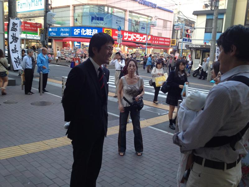 私なんか比にならないくらい多くの方に声をかけられる(当たり前…)松尾市長。