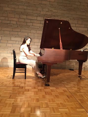 永田まりな・ピアノ